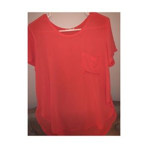 Coral loose and flowy tee!!